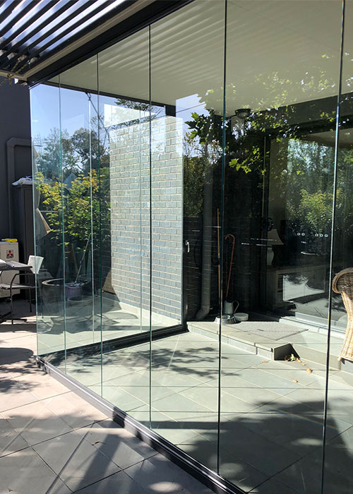 mentone site glass locked outdoor